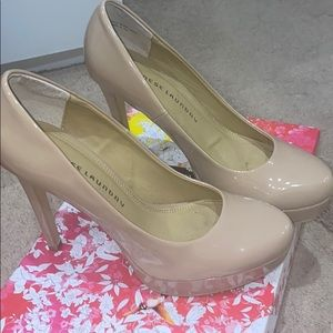 Chinese laundry nude patent pumps size 9